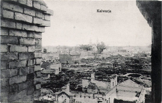 Sugriautos Kalvarijos vaizdas iš cerkvės bokšto