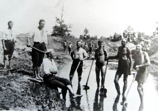 Kalvarija 1939, Kreivukės kaimas
