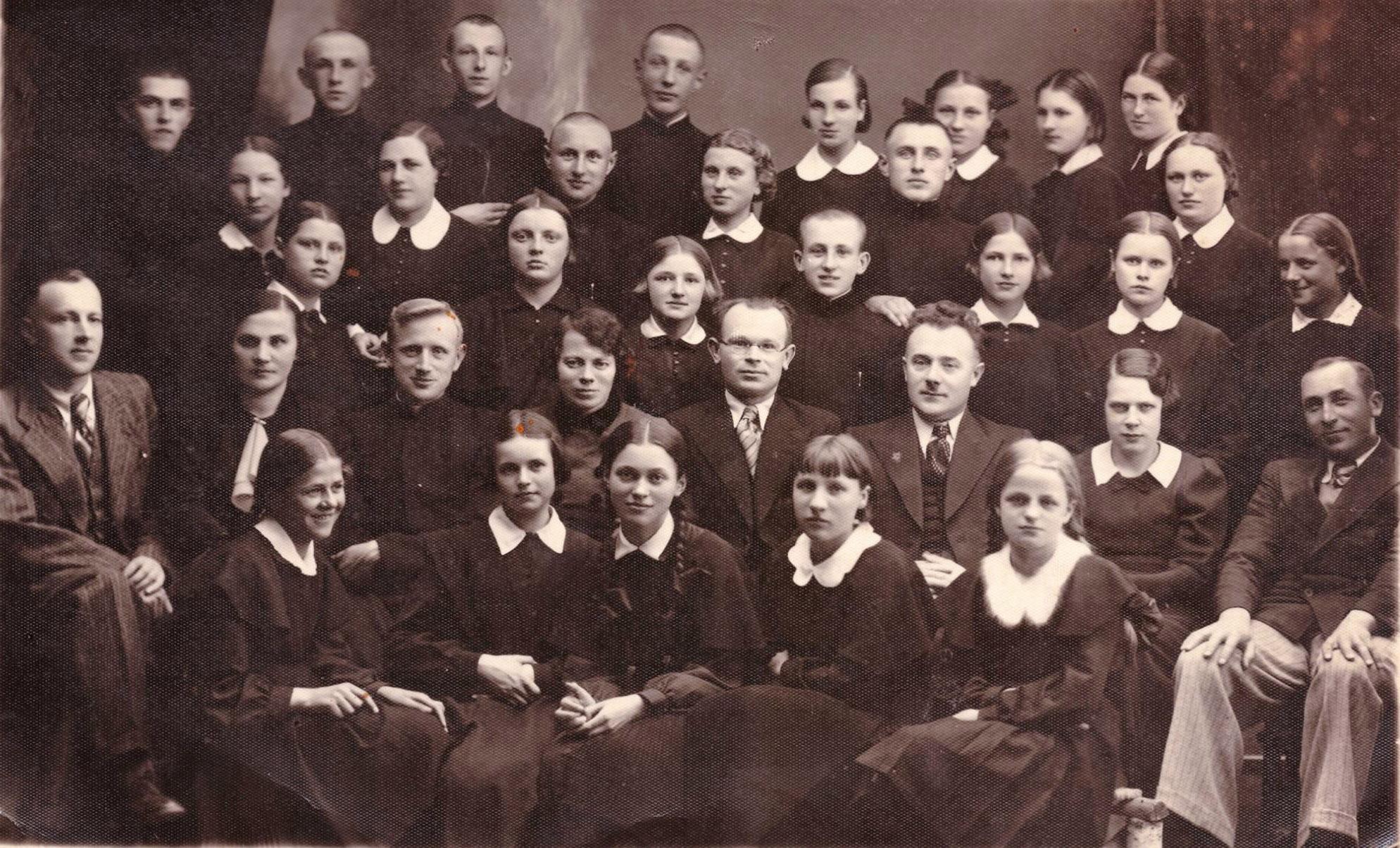 Kalvarija, gimnazijos mokiniai ir mokytojai