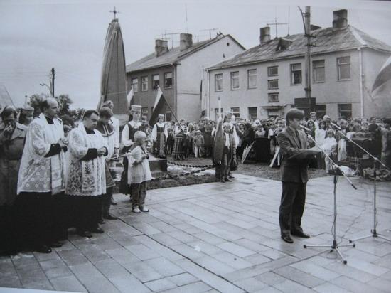 Kalvarija 1989, Laisvės paminklo atstatymas