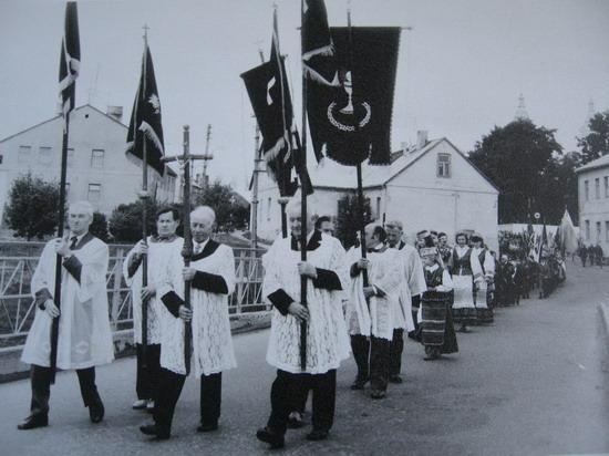 Kalvarija 1990. Partizanų perlaidojimas